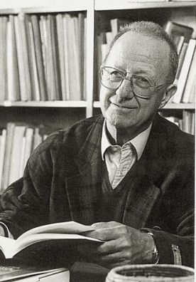 Hansjakob Seiler in seinem Büro